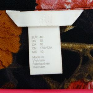 H&M Dresses - H&M Floral Button Up Long Sleeve Dress w/ Pockets